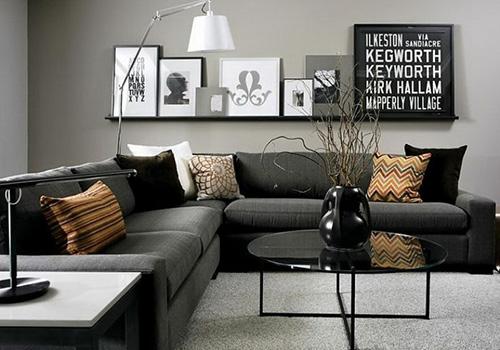 Серый диван выглядит шикарно