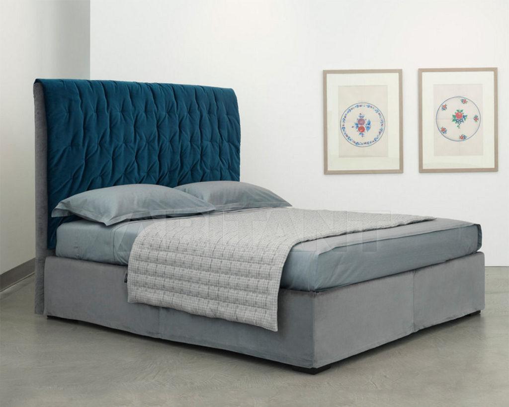 Синий оттенок кровати для дома