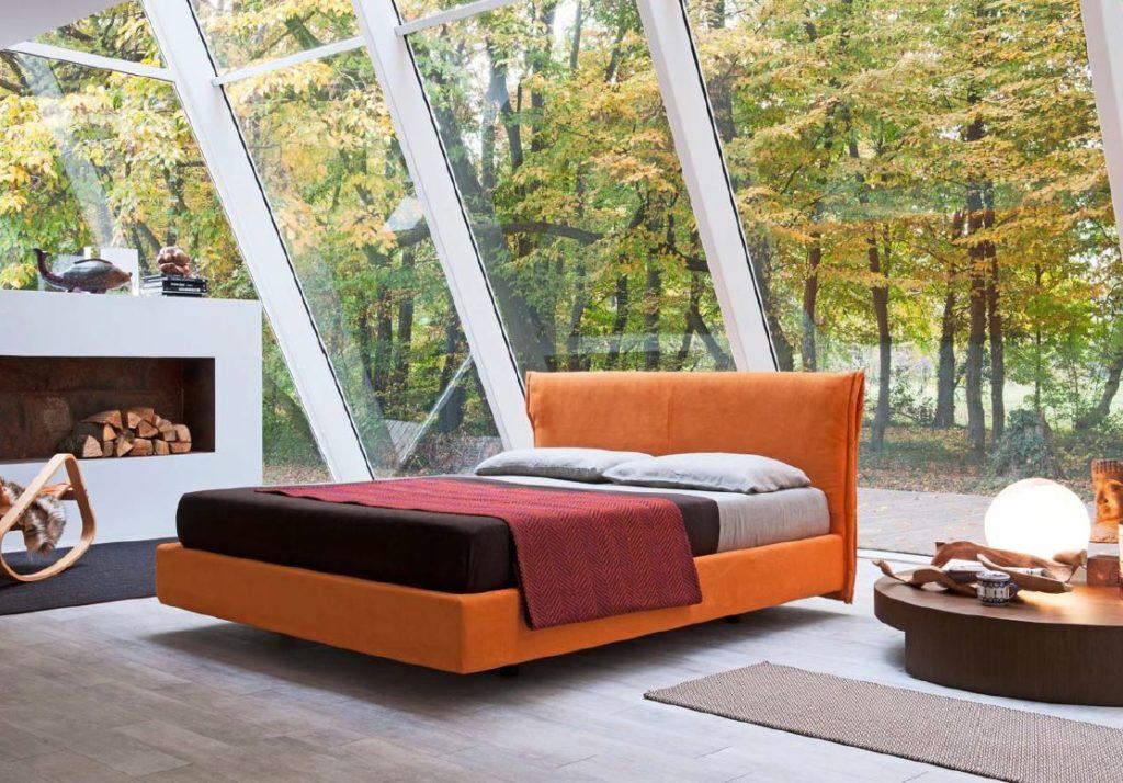 Современная оранжевая кровать