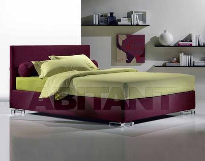 Современные бордовые кровати