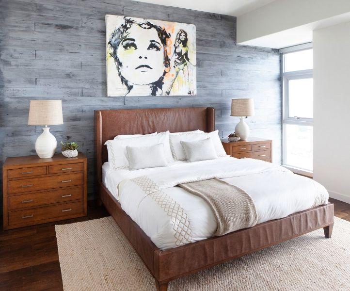 Светлая коричневая кровать для дома