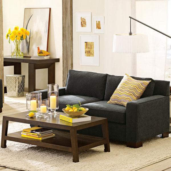 Темный оттенок серого дивана