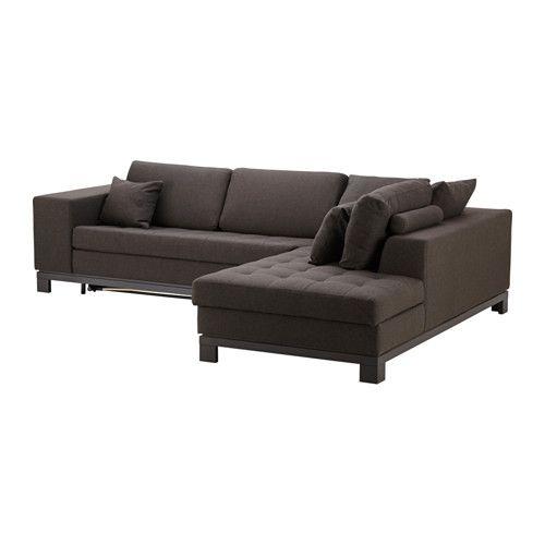 Трехместный диван коричневого цвета