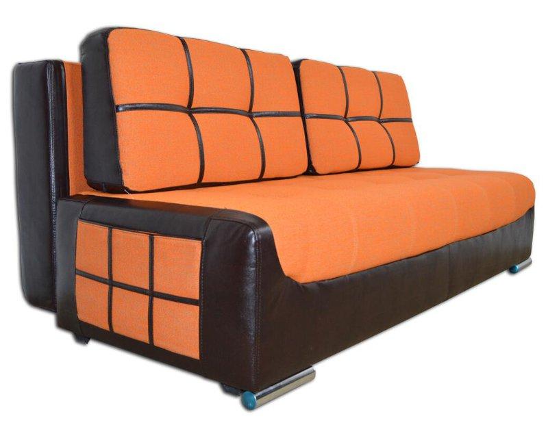 Уютный и удобный диван оранжевого яркого цвета