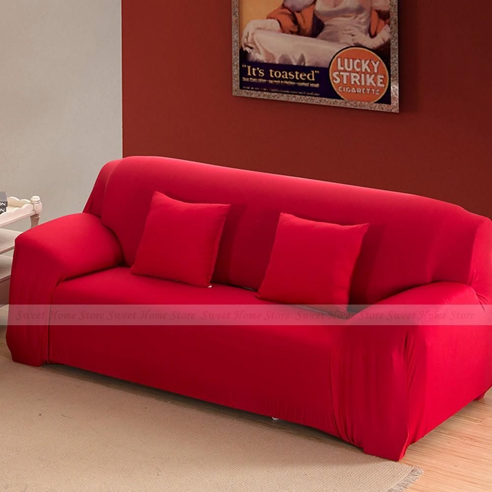 Уютный красный диван