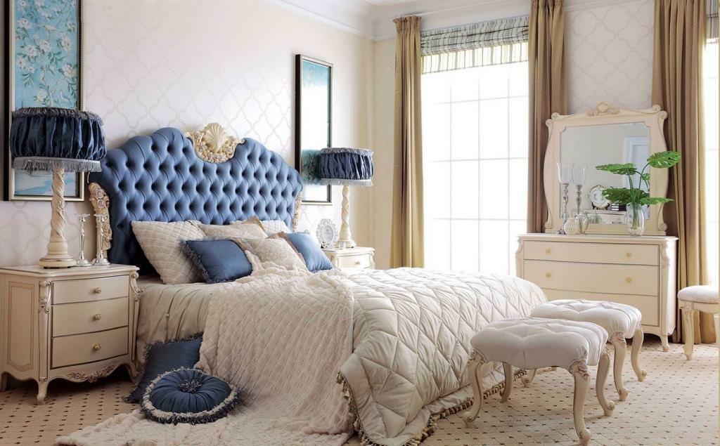 Вариант применения кровати синего цвета