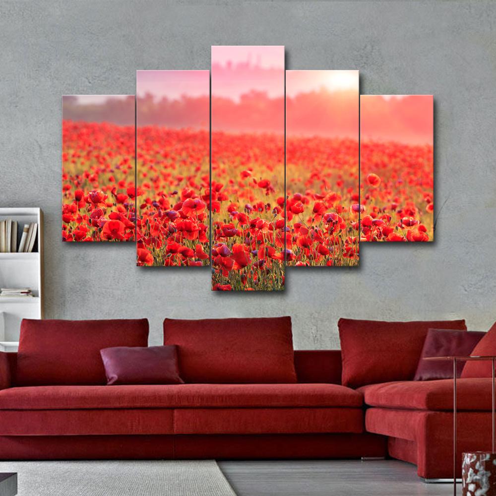 Выбираем красный цвет для оформления дивана