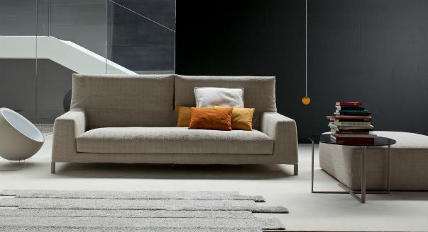 Выбираем серый современный диван для дома