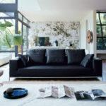 Как выглядят черные диваны в интерьере жилых помещений