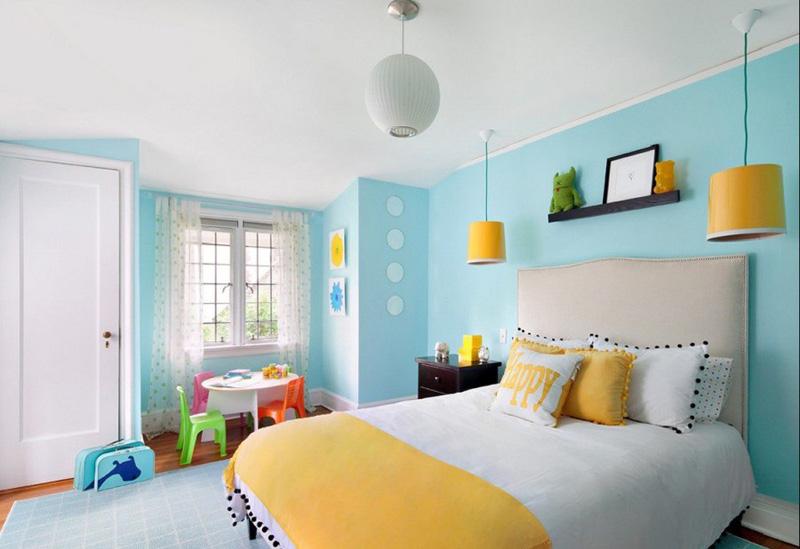 Желтый цвет практичной кровати для дома