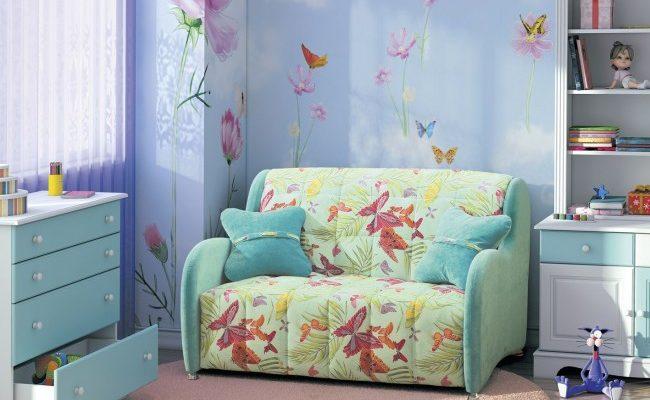 Яркий диван аккордеон станет настоящим украшением детской комнаты